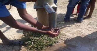 मध्य प्रदेश- एक सर्वे के अनुसार, 92 फीसदी दलित बच्चे स्कूलों में पानी नहीं पी सकते