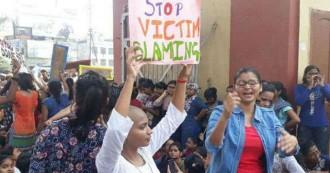 देश के प्रतिष्ठित 'बनारस हिन्दू विश्वविद्यालय' की फिर खुली पोल, छेड़खानी से परेशान छात्राओं ने सिर मुंडवा कर किया प्रदर्शन