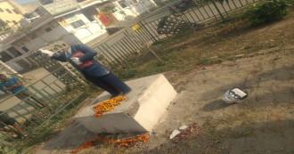 असामाजिक तत्वों की शर्मनाक करतूत, इलाहाबाद में तोड़ी गई डॉक्टर अंबेडकर की प्रतिमा