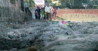 कौशांबी में बीजेपी कार्यकर्ता ने दिखाई दबंगई, दलितों के रास्ते पर जमाया कब्जा