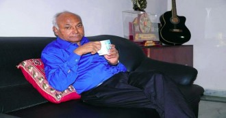 मशहूर दलित लेखक कांचा इलैया को पुलिस ने उनके ही घर में किया कैद