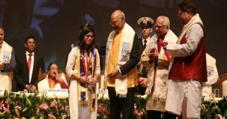 लखनऊ में राष्ट्रपति रामनाथ कोविंद ने बाबा साहब भीमराव अंबेडकर यूनिवर्सिटी के दीक्षांत समारोह में शिरकत की, बोले बेटियों ने देश का मान बढ़ाया