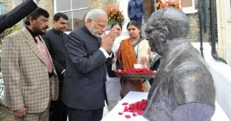 भाजपा के मुंह में अम्बेडकर बगल में राम