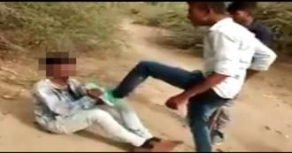 दलित किशोर के मोजड़ी (राजस्थानी जूती) पहनने से नाराज जातिवादी युवकों ने दलित को बेरहमी से पीटा