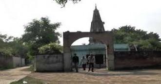 हमीरपुर के मंदिर में पुजारी ने दलितों के प्रवेश पर लगाई रोक