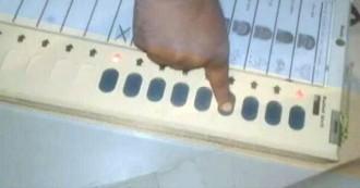 यूपी नगर निकाय चुनाव: मेरठ में वोटिंग के दौरान EVM में गड़बड़ी पर चुनाव आयोग ने मांगी रिपोर्ट