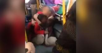 पद्मावत अपडेट- स्कूल बस को भी नहीं बख्शा करणी सेना ने, बच्चों से भरी बस पर किया पथराव