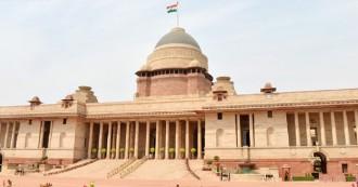 दलित राष्ट्रपति की आड़ में संविधान पर टेढ़ी नज़र