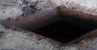 बिहार- सेप्टिक टैंक की सफाई करने उतरे तीन मज़दूरों की मौत